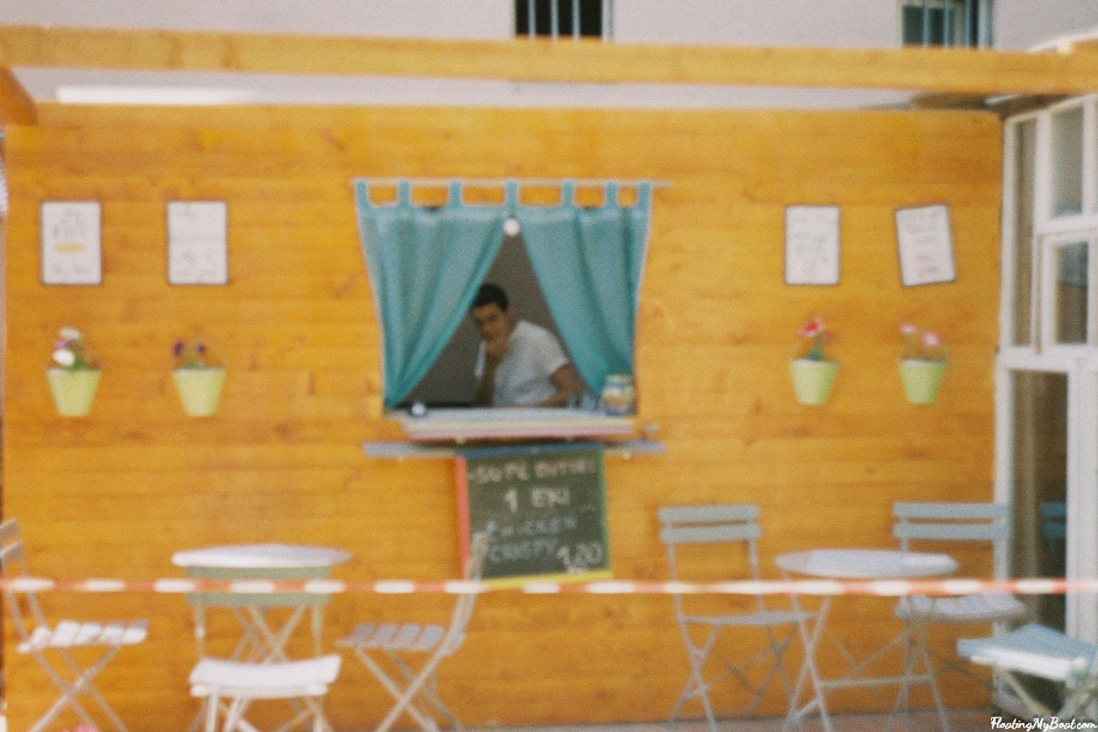 the white three hostel pristina