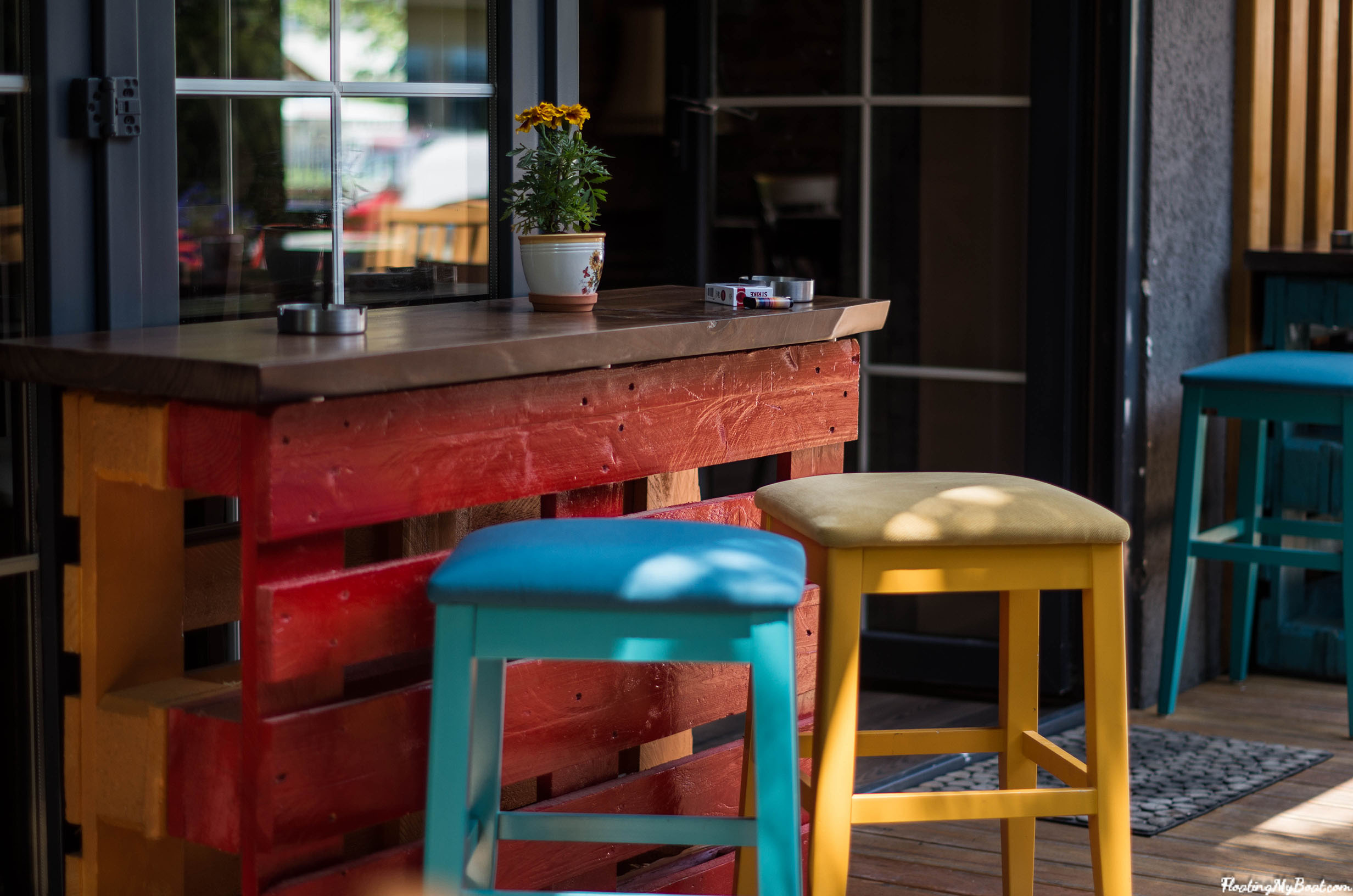 the best cafe pristina han patio