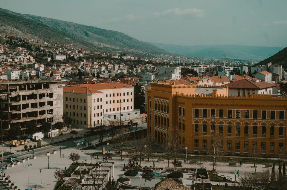 Co robić i co zobaczyć w Mostarze w Bośni i Hercegowinie – niepoprawny przewodnik turystyczny