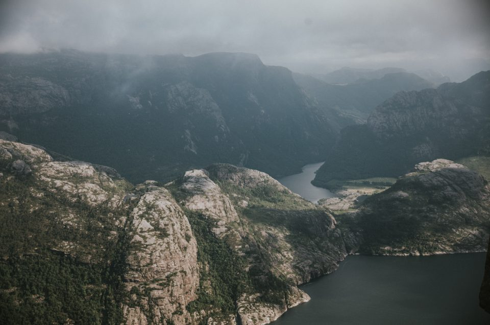 Trekking Preikestolen in Norway – visual narrative and description of the trail