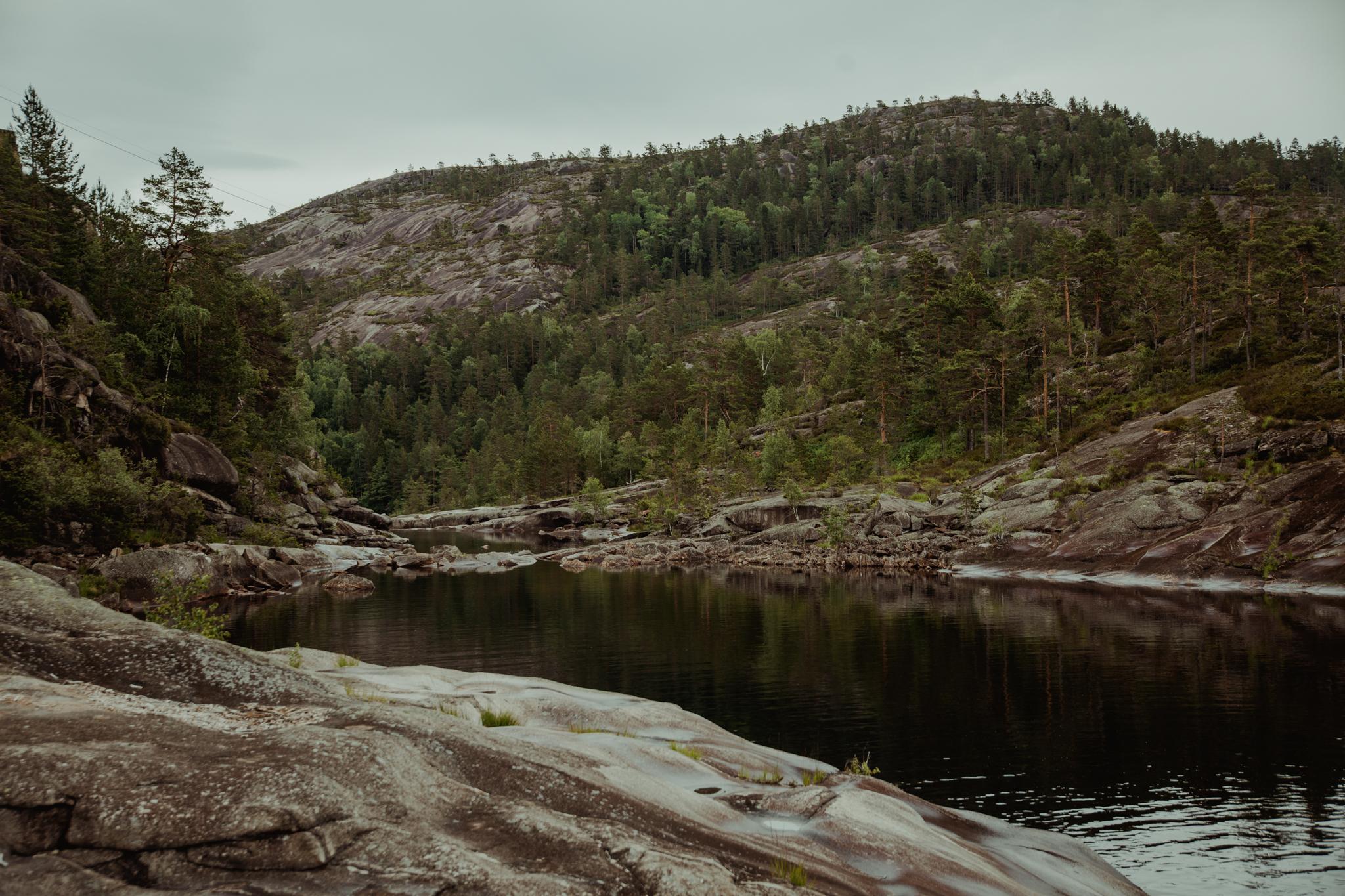 norwegia-kotły-erozyjne-jettegrytene